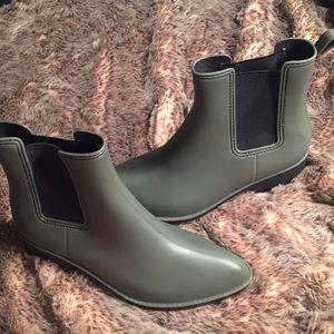 Urban Outfitters Dora Matte Rain Boots